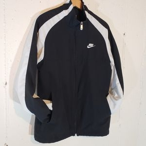 Nike S blk/white lined lightweight windbreaker